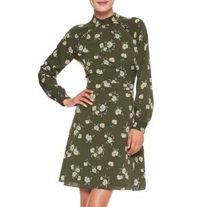 Banana Republic Blouson Sleeve Fit and Flare Dress